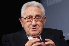 kissinger suports obama on syria